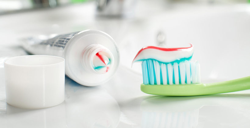 Color indicators on toothpaste tubes- the hoax VS the reality
